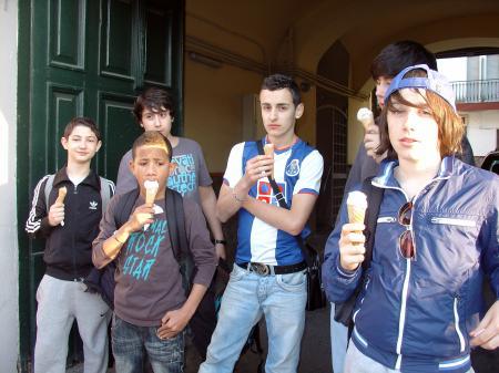 Glaces à Pompéï : Dany, Denis, Ilan.