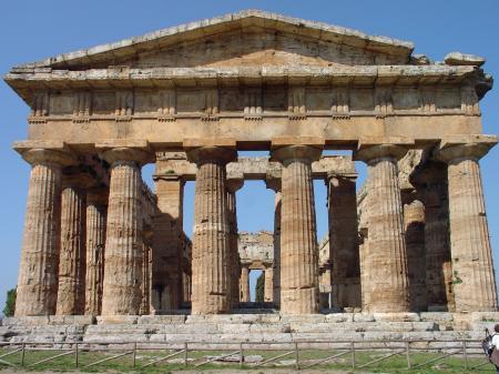 Paestum, un temple.